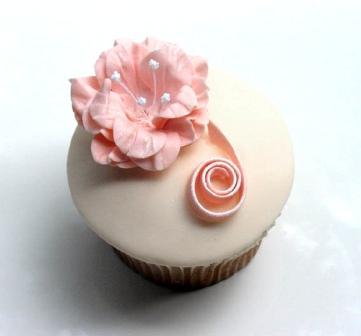 La nueva tendencia en centros de mesa: los pastelitos gourmet